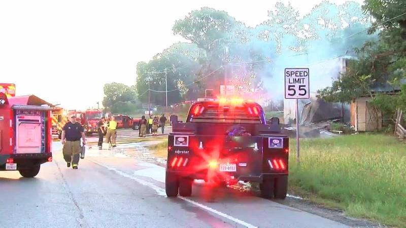 Smith County crews respond to fire at Coker Enterprises on Hwy 271, all NB lanes closed