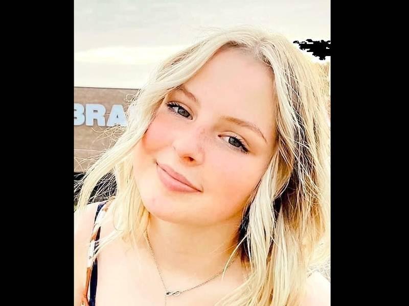 Se informó que Lexi Thibodeaux, de 16 años, de Henderson, fue vista por última vez alrededor de...