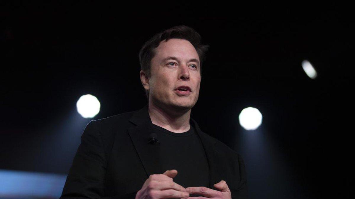 Elon Musk says Tesla moving to Texas